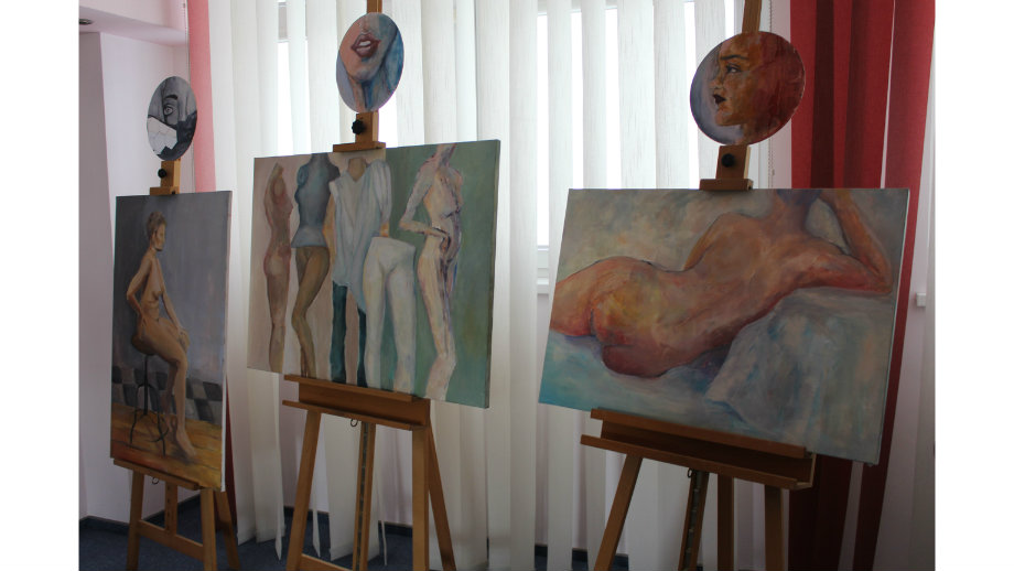 """""""Human"""" - wystawa prac Dominiki Czekaj i Pauliny Hanus"""
