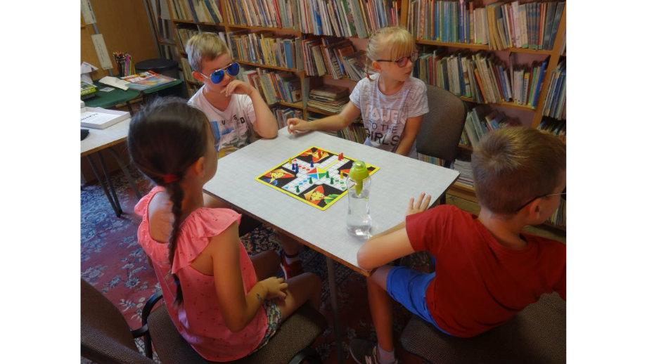 Wakacyjne rozmaitości - biblioteczne możliwości